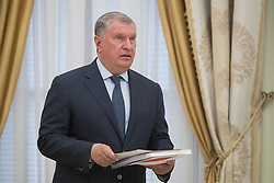 May 30, 2017 - Moscow, RUSSIA - CEO of state-controlled Russian oil company Rosneft, Igor Sechin, holds papers prior a meeting with Saudi Deputy Crown Prince and Defense Minister Mohammed bin Salman in Moscow's Kremlin, Russia, Tuesday, May 30, 2017. (Credit Image: © Prensa Internacional via ZUMA Wire)