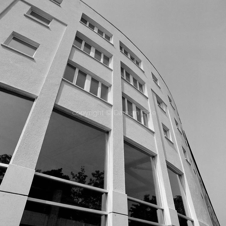 Stanovanjsko - poslovna hiša na Poljanski ulici