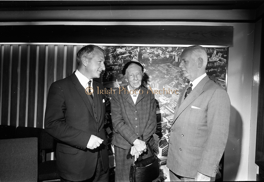 19/09/1967<br /> 09/19/1967<br /> 19 September 1967<br /> Dr Lilian Gilbreth, American psychologist and industrial engineer, visits Jacobs offices, Dublin. Picture shows (l-r): Mr Desmond H. Bradley, Research and Development Manager, Jacobs; Dr Lilian Gilbreth and Mr Edward C. Bewley, Managing Director, Jacobs.