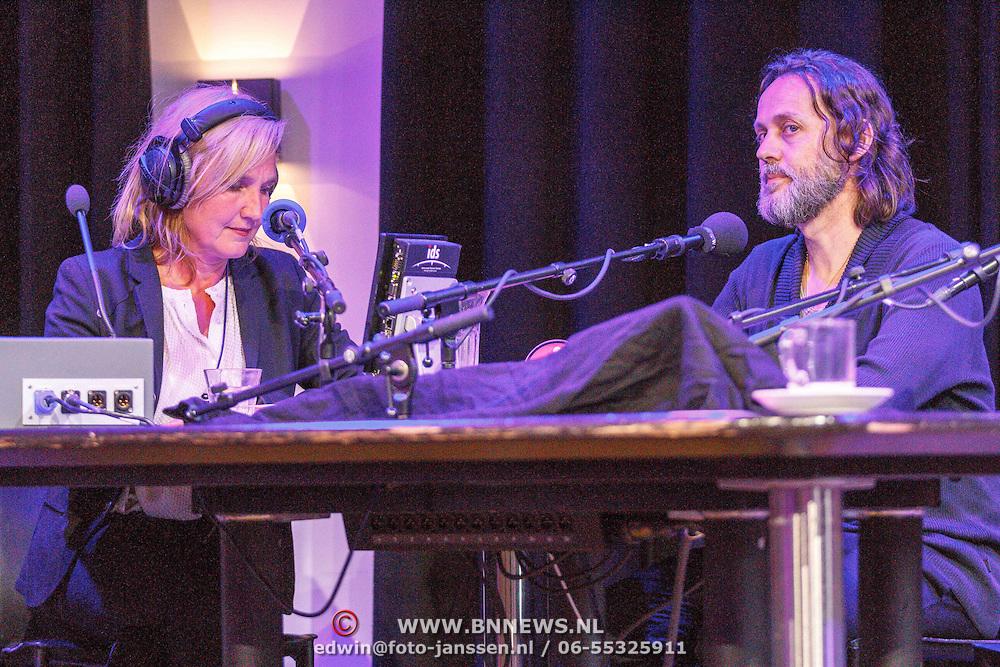 NLD/Amsterdam/20150518 - Uitreiking Storytel Luisterboek Award , Jenny Brouwer in gesprek met Hugo Borst