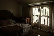 La habitacion de  Rhonita Miller, en el Rancho de la Mora, en Chihuahua. Un grupo armado atacó a miembros de la familia de Julián LeBarón, un conocido líder mormón y activista social, en una carretera entre los Estados de Chihuahua y Sonora, al norte de México. Seis niños y tres mujeres de origen estadounidense fueron asesinadas en este hecho. Fotografo César Rodríguez/El Pais.