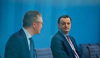 DEU, Deutschland, Germany, Berlin, 26.02.2021: Bundesgesundheitsminister Jens Spahn (CDU) und Prof. Dr. Lothar H. Wieler, Präsident Robert Koch-Institut (RKI), in der Bundespressekonferenz zur Corona-Lage im Lockdown.