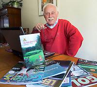 NAALDWIJK - Frenk Leechburch Auwers, redacteur van het clubblad van Golfclub Kleiburg. COPYRIGHT KOEN SUYK