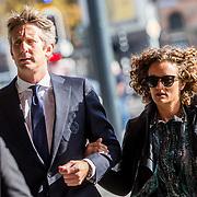 NLD/Amsterdam/20171014 - Besloten erdenkingsdienst overleden burgemeester Eberhard van der Laan, Edwin van der Sar en partner Annemarie van Kesteren