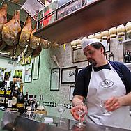 Il gran Chianti a Genova.                       The great Chianti in the heart of Genoa.
