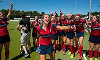 NIJMEGEN -  Vreugde bij Huizen , Amber Folmer (Huizen) ,   na   de tweede play-off wedstrijd dames, Nijmegen-Huizen (1-4), voor promotie naar de hoofdklasse.. Huizen promoveert naar de hoofdklasse.  COPYRIGHT KOEN SUYK