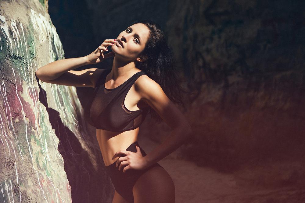 Dark Haired Caucasian Model shot in swimsuit bikini in Encinitas, California. ©justinalexanderbartels.com