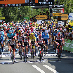 LIBOURNE (FRA) CYCLING: July 16<br /> 19th stage Tour de France Mourenx-Libourne<br /> Peloton passes finishline