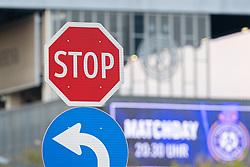 Eine Stop-Tafel vor dem Logo an der Fassade der Generali Arena. Der FK Austria Wien wurde in erster Instanz die Lizenz aufgrund von Finanzproblemen fuer die Bundesligasaison 2021/22 verweigert, aufgenommen am 20.04.2021, Wien, Oesterreich // A stop sign in front of the logo on the facade of the Generali Arena. FK Austria Wien was denied a license for the 2021/22 Bundesliga season in the first instance due to financial problems, Vienna, Austria on 2021/04/20. EXPA Pictures © 2021, PhotoCredit: EXPA/ Florian Schroetter