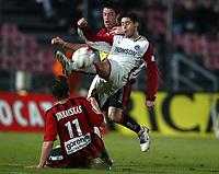 Fotball<br /> Frankrike 2004/05<br /> Nice v Paris Saint Germain<br /> 27. november 2004<br /> Foto: Digitalsport<br /> NORWAY ONLY <br /> BRANKO BOSKOVIC (PSG) / EDGARAS JANKAUSKAS / FRANCOIS GRENET (NICE)