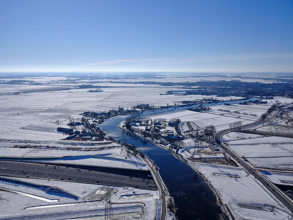 Nederland, Noord-Holland, Gemeente Gooise Meren, 13-02-2021; Winterlandschap. Muiden, A1 met Aquaduct Muiden (of Aquaduct Vechtzicht). Het aquaduct onder de Utrechtse Vecht is aangelegd in het kader van het project Schiphol-Amsterdam-Almere.<br /> Winter landscape. Aqueduct under river Vecht, naar Muiden, motorway A1.<br /> luchtfoto (toeslag op standaard tarieven);<br /> aerial photo (additional fee required)<br /> copyright © 2021 foto/photo Siebe Swart