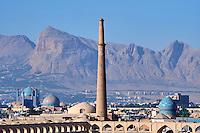 Iran, province d'Ispahan, Ispahan, vue sur la ville et la Place de l'Imam, classée Patrimoine Mondial de l'UNESCO // Iran, Isfahan, the general view of the city and of the Imam Square