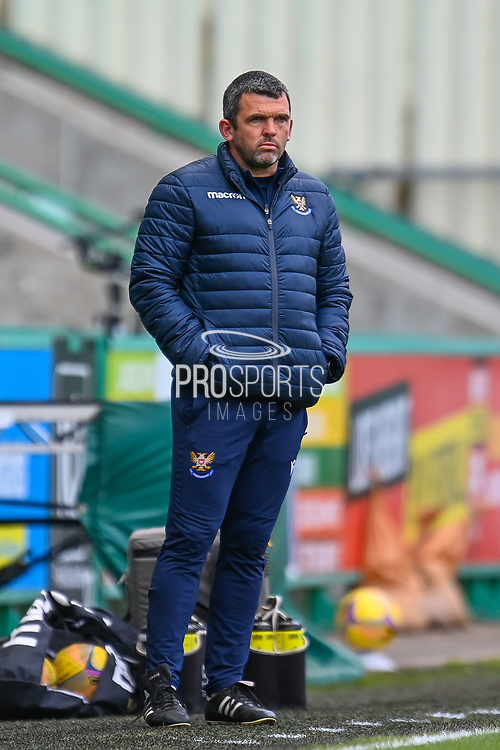 Callum Davidson, manager of St Johnstone FC watches his team during the SPFL Premiership match between Hibernian and St Johnstone at Easter Road Stadium, Edinburgh, Scotland on 1 May 2021.