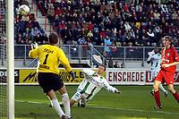 Fotball, 07. november 2004, fc Twente - fc Groningen,   Erik Nevland , Groningen  scorer her i sin debut i Nederland<br /> Foto: Digitalsport