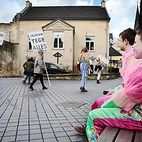Nederland, Valkenburg a/d Geul, 8 februari 2016.<br /> <br /> Wegens extreme omstandigheden is de grote optocht in Valkenburg afgelast.<br /> Als alternatief heeft een kleine groep carnavalvierders een kleine optocht georganiseerd van zo'n 25 man waarmee ze door de straten van Valkenburg trokken.<br /> <br /> <br /> Foto: Jean-Pierre Jans