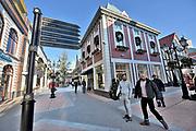 Nederland, Roermond, 22-11-2017Het Designer Outlet Roermond is een Outlet Center van het Britse bedrijf McArthur Glen, en biedt 200 internationale brands, desingnerbrands, designermerken aan. Het center is gelegen aan de rand van de Roermondse binnenstad.Het is onlangs uitgebreid met merken zoals Karl Lagerfeld, Amsterdam Diamond House, Ted Baker, Sarah Pacini en Woolrich. Het is de grootste outlet van Noord-Europa.Foto: Flip Franssen