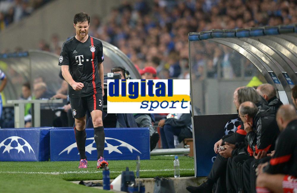 BILDET INNGÅR IKKE I FASTAVTALEEN PÅ NETT<br /> <br /> Fotball<br /> 15.04.2015<br /> Foto: imago/Digitalsport<br /> NORWAY ONLY<br /> <br /> CHAMPIONS LEAGUE VIERTELFINAL HINSPIEL FC Porto - FC Bayern München<br /> <br /> Xabi Alonso (FC Bayern Muenchen) ist enttaeuscht