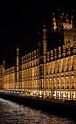 Londyn, 2009-10-23. Londyn nocą - Pałac Westminsterski, siedziba dwoch izb Parlamentu: Izby gmin i Izby Lordów