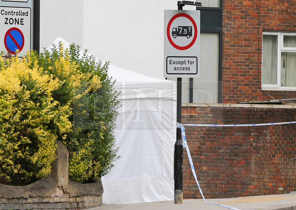 © Licensed to London News Pictures. 19/09/2018. London, UK. Crime scene at Corinne Road, Tufnell Park, north London, where a man in his 20s was fatally stabbed on Tuesday evening. Photo credit: Dinendra Haria/LNP