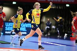 HERNING, DENMARK - DECEMBER 3, 2020: Emma Lindqvist (23) of Sweden during the EHF Euro 2020 Group C match between Sweden and Czech Republic in Jyske Bank Boxen, Herning, Denmark on December 3 2020. Photo Credit: Allan Jensen/EVENTMEDIA.