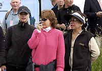 Golf. Open Golf Championships. Muirfield. Dag 1. 18.07.2002.<br /> Elin Nordegren. Tiger Woods sin kjæreste (tv).<br /> Tiger Woods sin mor (th).<br /> Foto: Matthew Impey, Digitalsport