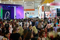 Movimento de público na Hair Brasil 2013 - 12 ª Feira Internacional de Beleza, Cabelos e Estética, que acontece de 06 a 09 de abril no Expocenter Norte, em São Paulo. FOTO: Jefferson Bernardes/Preview.com