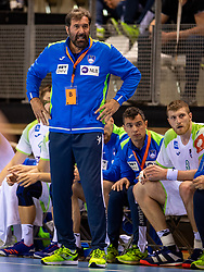 11-04-2019 NED: Netherlands - Slovenia, Almere<br /> Third match 2020 men European Championship Qualifiers in Topsportcentrum in Almere. Slovenia win 26-27 / Coach Uros Mohoric of Slovenia