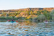 Family kayaking the Snake River Hagerman, Idaho. MR