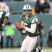 Quarterback Matt Simms, New York Jets, in action during the New York Jets Vs Miami Dolphins  NFL American Football game at MetLife Stadium, East Rutherford, NJ, USA. 1st December 2013. Photo Tim Clayton