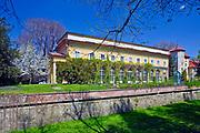 Łańcut, 2009-04-25. Oranżeria w parku pałacowym przy Zamku Lubomirskich i Potockich w Łańcucie