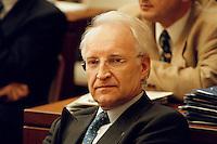 "06 FEB 1998, BONN/GERMANY:<br /> Edmund Stoiber, CSU, Ministerpräsident Bayern, Bundesrat, Debatte ""Großer Laushangriff""<br /> IMAGE: 19980206-01/03-26"