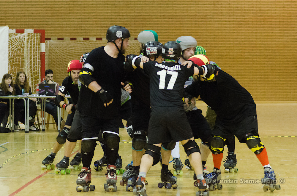 MADRID, SPAIN - January 23, 2016: Players of RockNRollaz holding their defensive positions at the beginning of a jam during the match against MadRiders held in Madrid.