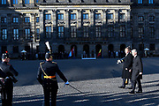 Staatsbezoek aan Nederland van Zijne Majesteit Koning Filip der Belgen vergezeld door Hare Majesteit Koningin <br /> Mathilde aan Nederland.<br /> <br /> State Visit to the Netherlands of His Majesty King of the Belgians Filip accompanied by Her Majesty Queen<br /> Mathilde Netherlands<br /> <br /> op de foto / On the photo: Koning Willem Alexander en de Belgische koning Filip bij het paleis op de Dam voor een drie daags staatsbezoek ///// King Willem Alexander and the Belgian King Philippe  at the palace on Dam Square for a three-day state visit