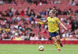 Kim Little of Arsenal on the ball - Mandatory by-line: Arron Gent/JMP - 28/07/2019 - FOOTBALL - Emirates Stadium - London, England - Arsenal Women v Bayern Munich Women - Emirates Cup