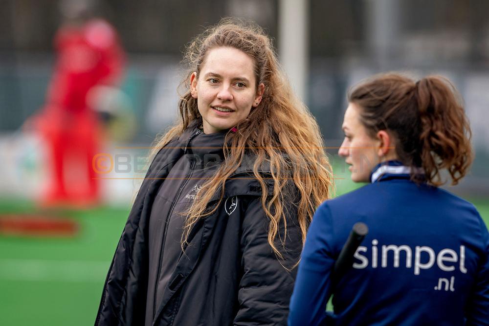 LAREN -  Hockey Hoofdklasse Dames: Laren v Pinoké, seizoen 2020-2021. Foto: Kiki Collot d'Escury (Pinoké)