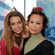 NLD/Baarn/20051229 - Persconferentie finalisten Idols 2005, Marescha en Charissa