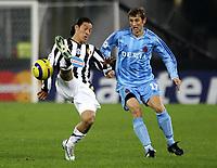 TURIN - TURIJN (ITALIE - ITALIA) - STADIO DELLE ALPI 22/11/2005  <br /> SPORT / FOOTBALL / VOETBAL / CHAMPIONS LEAGUE  / LIGUE DES CHAMPIONS / JUVENTUS FC - CLUB BRUGGE / <br /> MAURO CAMORANESI - IVAN GVOZDENOVIC<br />  / PICTURE BY   ERIC LALMAND  <br /> ©Digitalsport<br /> Norway only