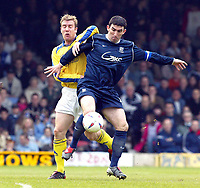 Photo. Chris Ratcliffe<br /> Digitalsport<br /> NORWAY ONLY<br /> Southend Utd v Torquay Utd. Nationwide Division 3. 08/05/2004<br /> kevin Maher of Southend tussles for the ball with David Graham of Torquay