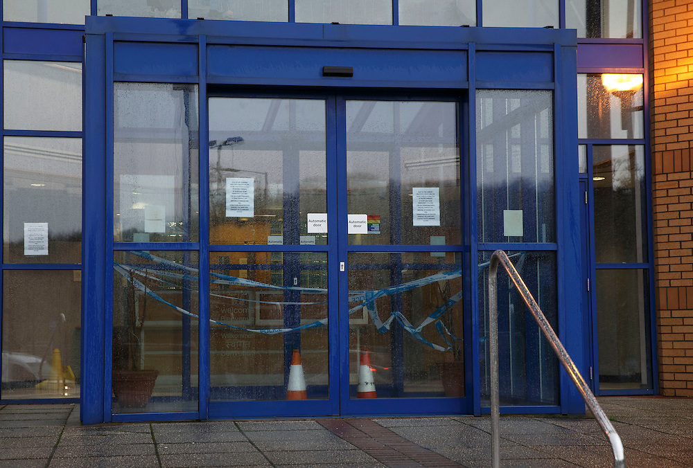 Govan Police Station, Govan , Glasgow front desk closed due to weather.   Picture Robert Perry . Picture Robert Perry 26th Jan 2016<br /> <br /> Must credit photo to Robert Perry<br /> FEE PAYABLE FOR REPRO USE<br /> FEE PAYABLE FOR ALL INTERNET USE<br /> www.robertperry.co.uk<br /> NB -This image is not to be distributed without the prior consent of the copyright holder.<br /> in using this image you agree to abide by terms and conditions as stated in this caption.<br /> All monies payable to Robert Perry<br /> <br /> (PLEASE DO NOT REMOVE THIS CAPTION)<br /> This image is intended for Editorial use (e.g. news). Any commercial or promotional use requires additional clearance. <br /> Copyright 2014 All rights protected.<br /> first use only<br /> contact details<br /> Robert Perry     <br /> 07702 631 477<br /> robertperryphotos@gmail.com<br /> no internet usage without prior consent.         <br /> Robert Perry reserves the right to pursue unauthorised use of this image . If you violate my intellectual property you may be liable for  damages, loss of income, and profits you derive from the use of this image.