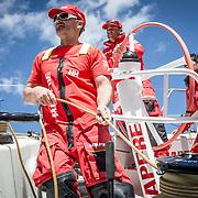 © María Muiña I MAPFRE: Neal McDonald entrenando a bordo del MAPFRE. Neal McDonald training on board MAPFRE.