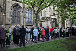 © Licensed to London News Pictures . 30/05/2015 . Manchester , UK . Queue for the service  . A public memorial for Coronation Street actress Anne Kirkbride at Manchester Cathedral , who died on 19th January 2015 . Photo credit : Joel Goodman/LNP