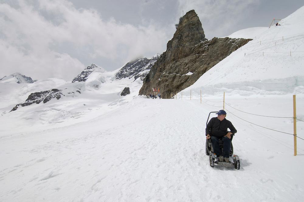 Zwitserland, Interlaken, 04 juni 2005.Zwitserland reisreportage...Foto(c)Michiel Wijnbergh, Driebergen.