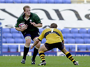 Reading, Berkshire, 29/09/02<br /> London Irish vs Wasps,<br /> Exiles Kevin Burke, Wasps Paul VOLLEY, set for the tackle, during the ZURICH PREMIERSHIP RUGBY match at the Madejski Stadium,  [Mandatory Credit: Peter Spurrier/Intersport Images],