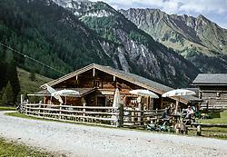 THEMENBILD - Die Palfner Alm ist eine schöne bewirtschaftete Alm auf 1.330 m im Seidlwinkltal in den Hohen Tauern, aufgenommen am 09. September 2018, Rauris, Österreich // The Palfner Alm is a beautiful managed alp at 1,330m in the Seidlwinkltal in the Hohe Tauern on 2018/09/09, Rauris, Austria. EXPA Pictures © 2018, PhotoCredit: EXPA/ Stefanie Oberhauser