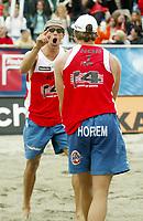 Volleyball, Sandvolleyball, World Tour Stavanger, Grand Slam, 02/07-05, <br />Bård Inge Pettersen jubler mot Ivar Horrem, <br />Foto: Halvard Hofsmo, Digitalsport