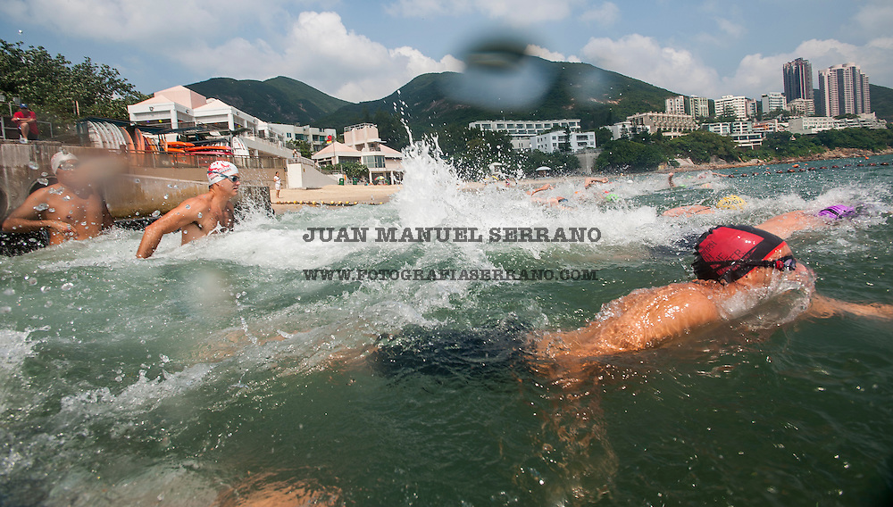 Swimers in action during The Clean Half Open Water Challenge 2012 in Hong Kong on 6 October 2012. Photo by Juan Manuel Serrano