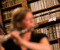 Allegro Vivo 2013: Erstes Preistraegerkonzert in der Bibliothek des Stifts Altenburg.