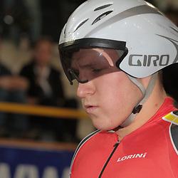 28-12-2014: Wielrennen: NK Baanwielrennen: Apeldoorn<br />Concentratie voor de start Jeffrey Hoogland
