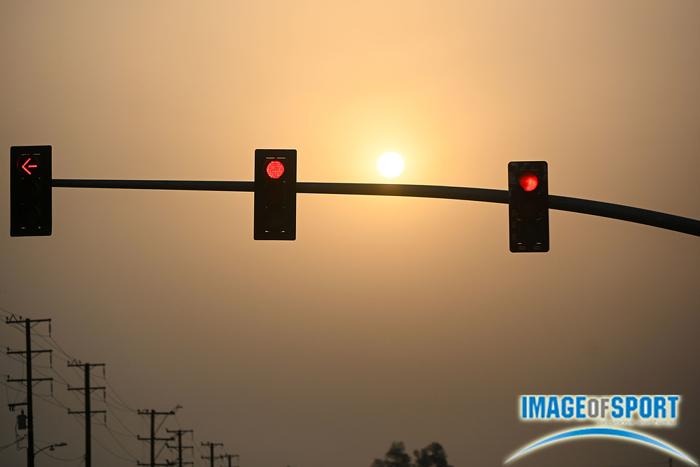 The sun is seen behind smoke from the El Dorado fire, Tuesday, Sept. 8, 2020, in Yucaipa, Calif. (Dylan Stewart/Image of Sport)