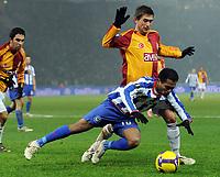Fotball<br /> Tyskland<br /> Foto: Witters/Digitalsport<br /> NORWAY ONLY<br /> <br /> 03.12.2008<br /> <br /> v.l. Raffael, Harry Kewell Istanbul<br /> <br /> UEFA-Cup Hertha BSC Berlin - Galatasaray Istanbul 0:1